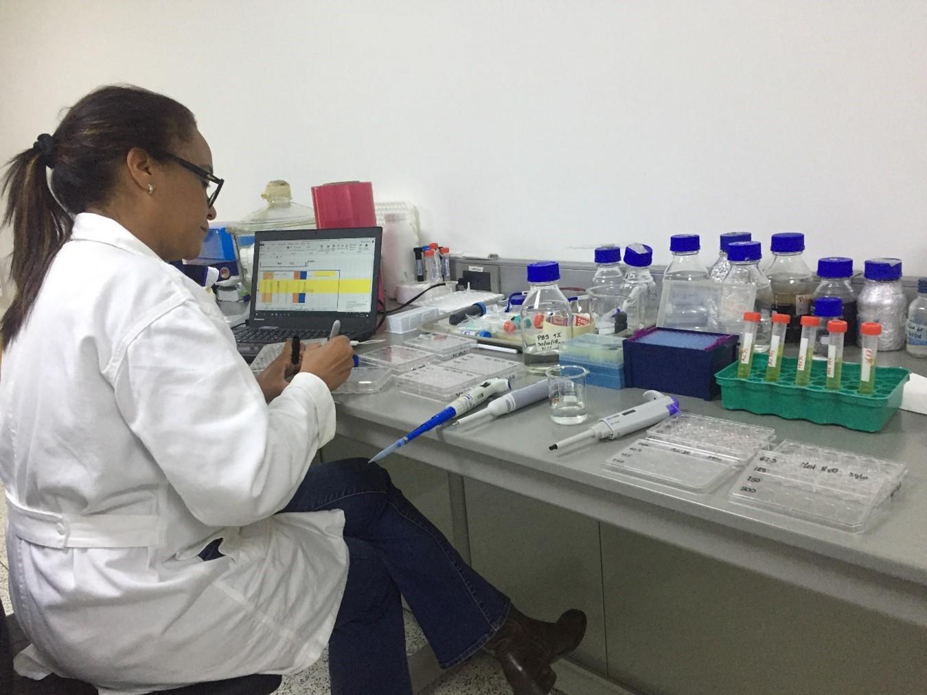 Componentes naturales para el control de parásitos en ovinos como alternativa de bajo costo para los productores en el país