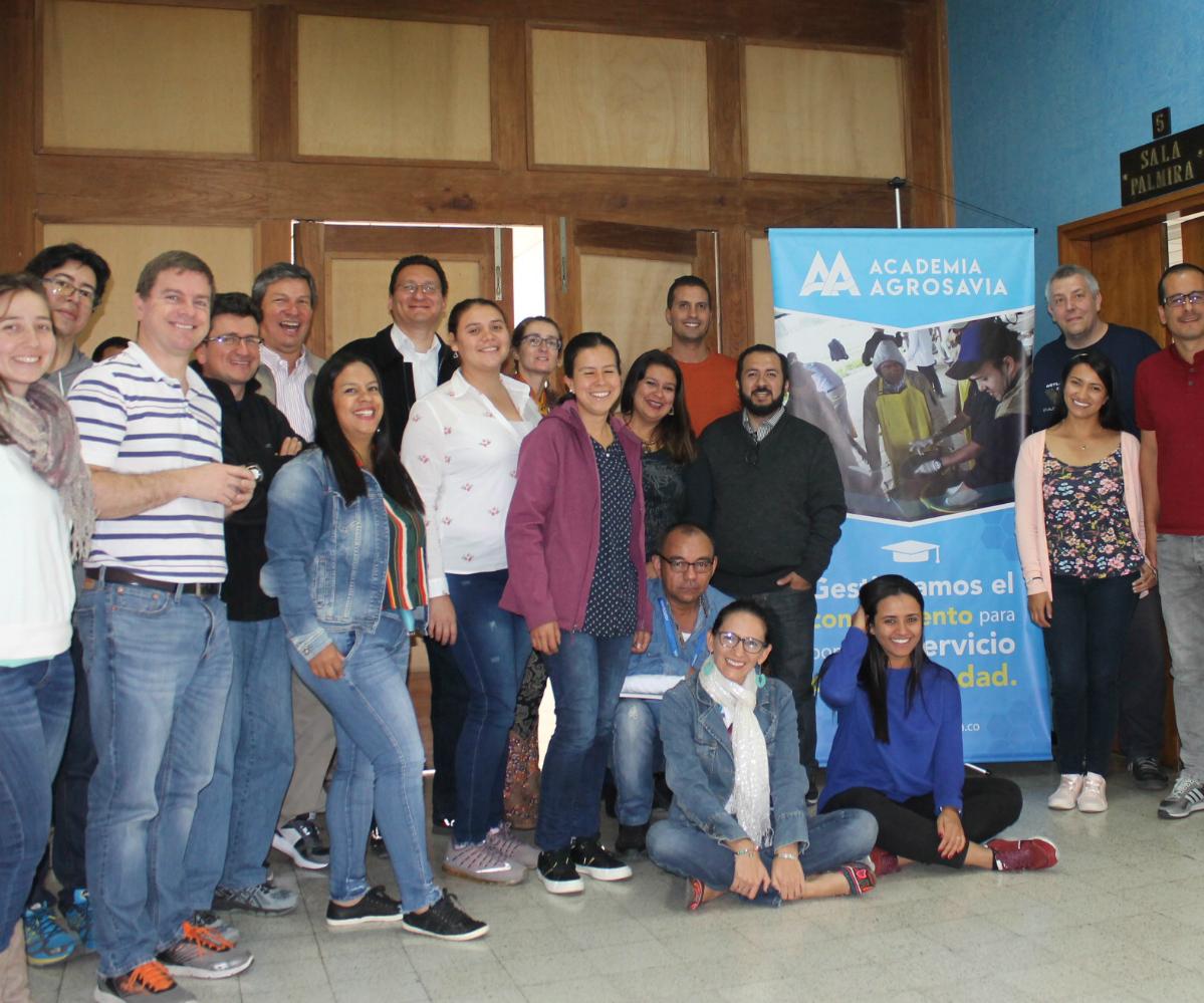 AGROSAVIA y la Universidad de Los Andes realizaron curso de Biocalorimetría en el Centro de Investigación Tibaitatá
