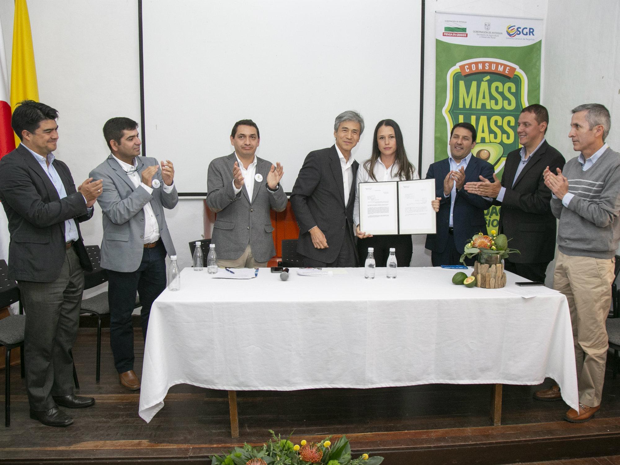 Japón oficializa la apertura de su mercado para el aguacate Hass colombiano