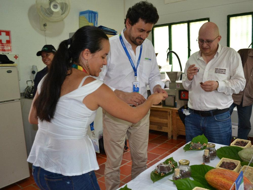 AGROSAVIA y FEDECACAO oficializan trabajo articulado por los cacaocultores del país