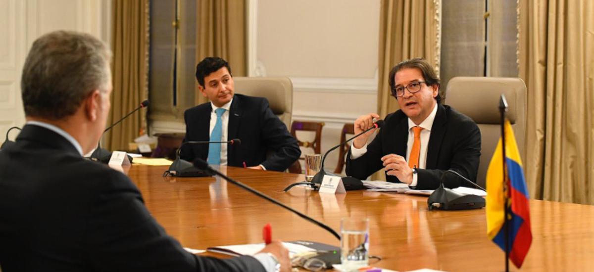 """Gobierno lanza línea de crédito """"Colombia Agro Produce"""" por $1,5 billones, para garantizar liquidez de productores agropecuarios"""